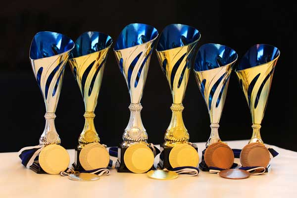 karikad medalid meened klaasmeened karikas medal klaasmeene award cup trophy